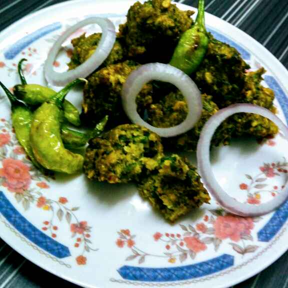 Photo of Mung methi pakoda by Hetal Sevalia at BetterButter