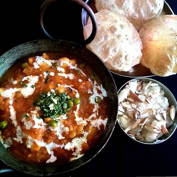 Photo of Aloo Matar Curry by Hetal Sevalia at BetterButter