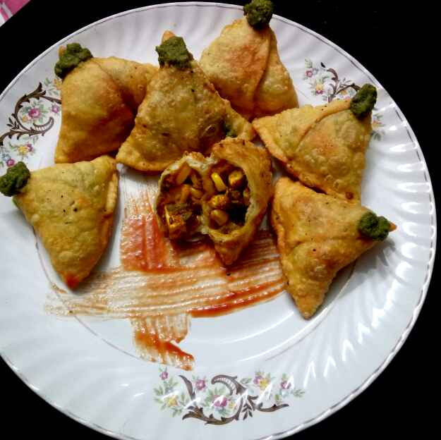 Photo of Tandoori paneer samosa by Hetal Sevalia at BetterButter