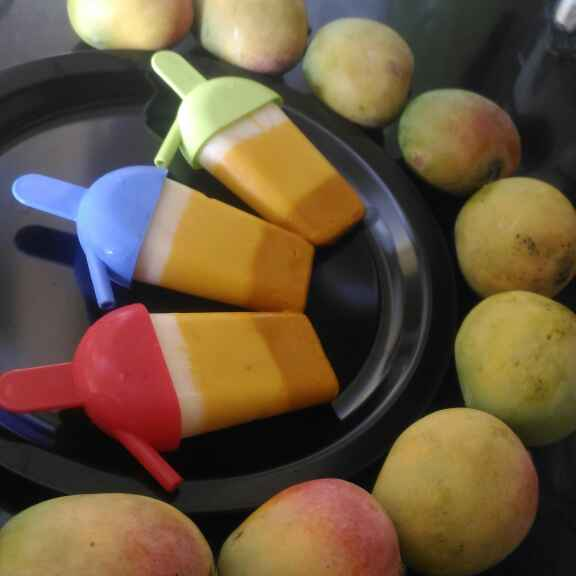 How to make Ombre mango yogurt popsicles