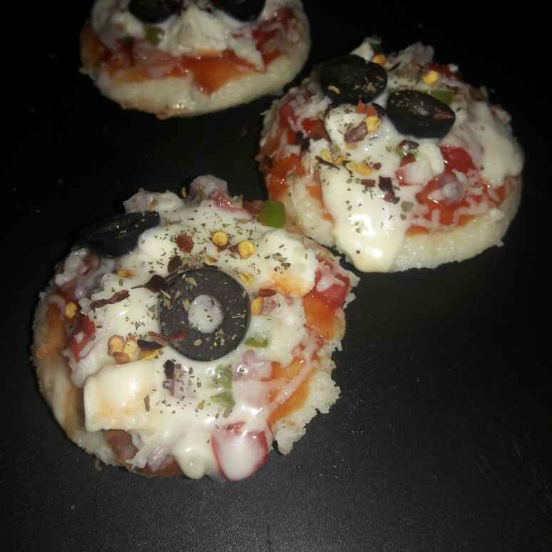 How to make Idli pizza bites