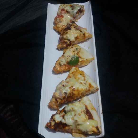Photo of tandoori paneer pizza by Hiral Pandya Shukla at BetterButter