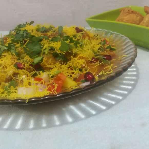 Photo of samosa chana chaat by Hiral Pandya Shukla at BetterButter