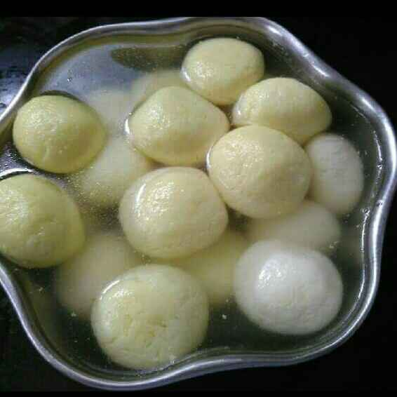 How to make Homemade rose and saffron rasgulle