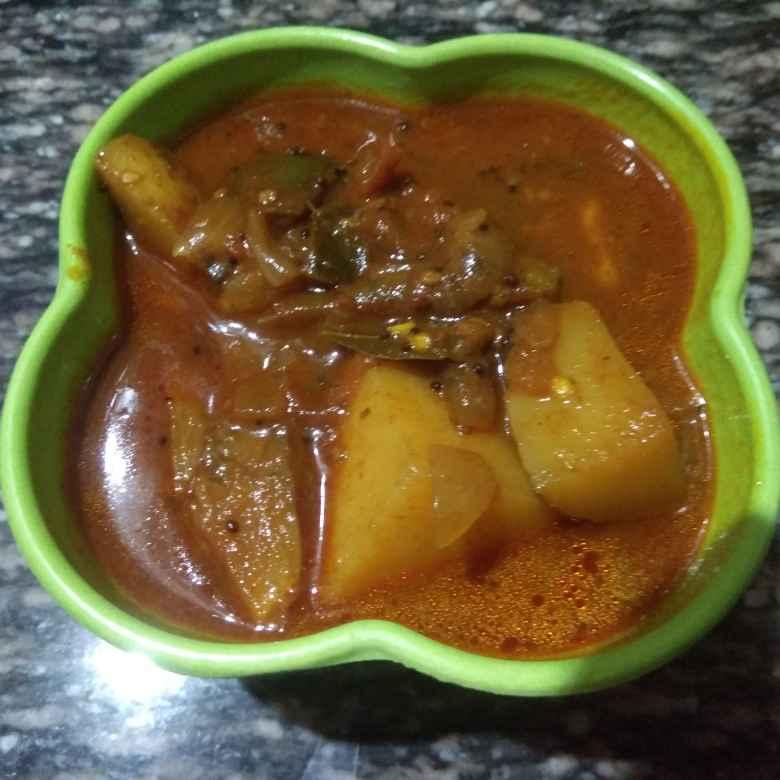 How to make Brinjal potato kuzhambu