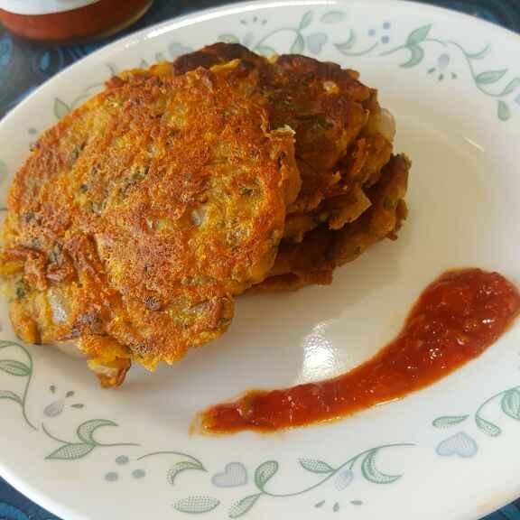 How to make Leftover Dal Roti