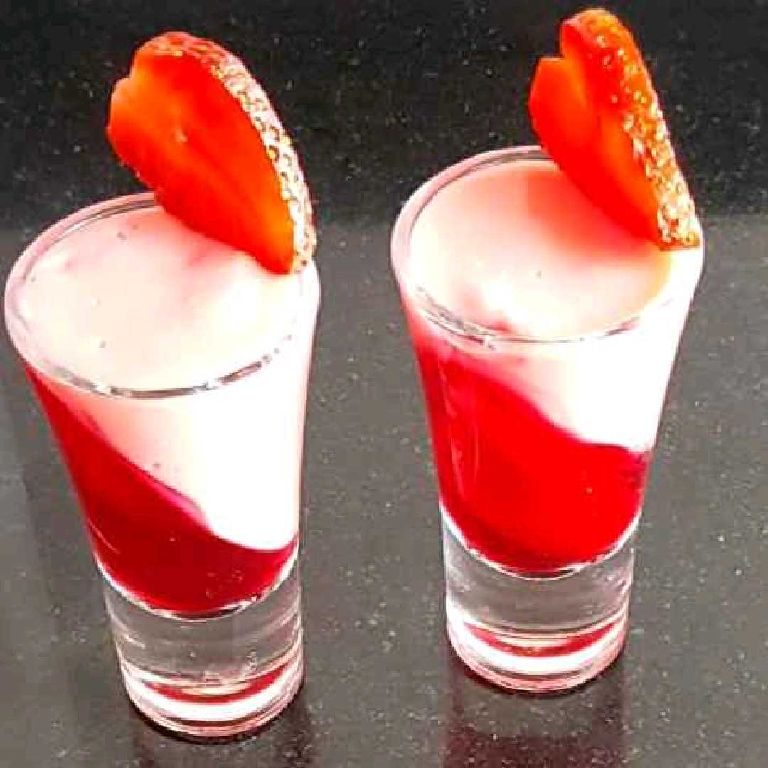 How to make Strawberry shots