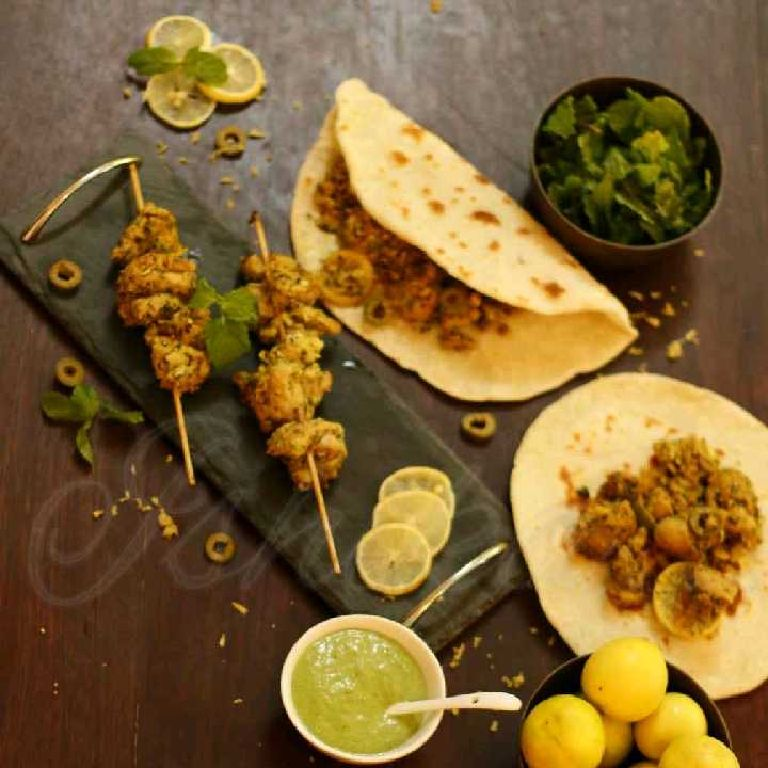 How to make Moroccan spiced lemon and mint chicken flatbread