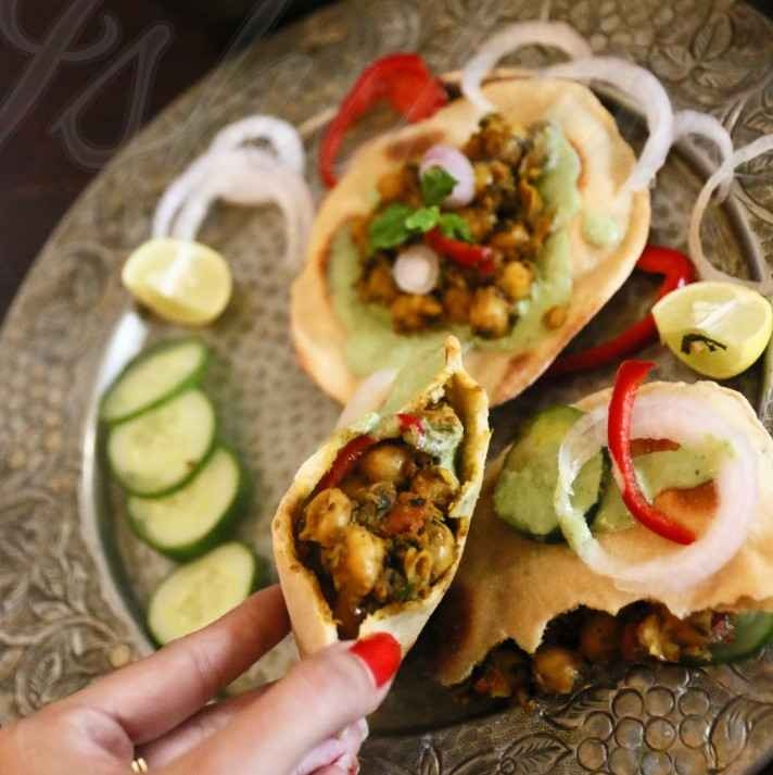 How to make Chhole shawarma in pita pockets