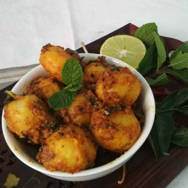 How to make Aloo Achari