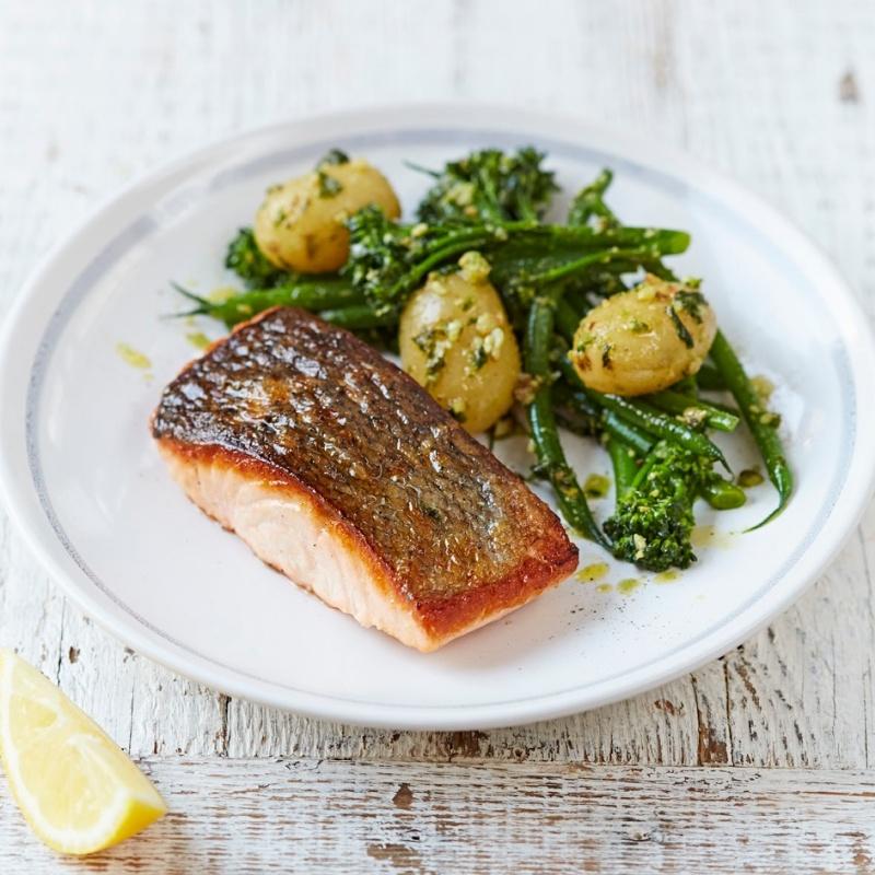 How to make Salmon & Pesto- Dressed Vegetables