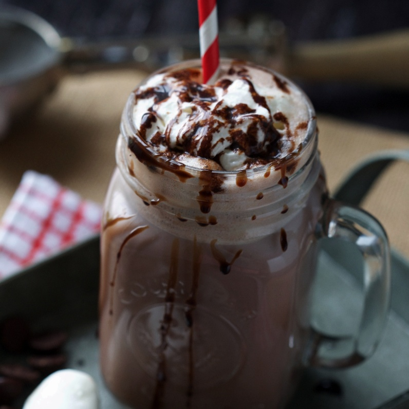 How to make Hot Chocolate Float