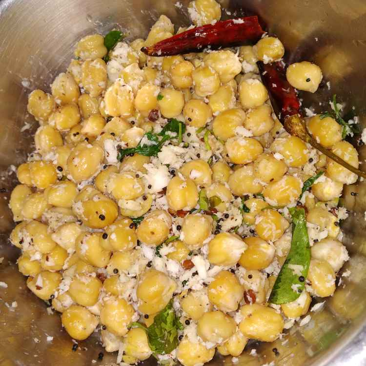 Photo of White channa sundal by jassi aarif at BetterButter
