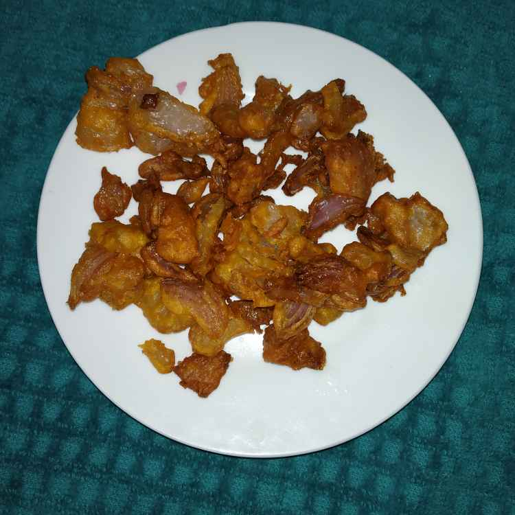 Photo of Crispy onion pakoda by jassi aarif at BetterButter
