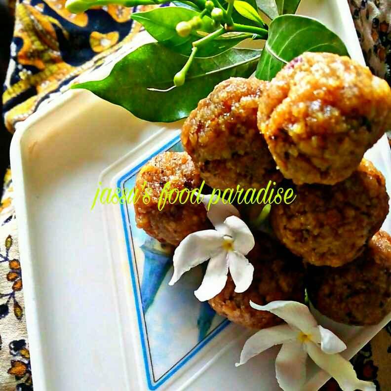 Photo of Leftover roti ke churma laddu by Jassu Sehdev at BetterButter