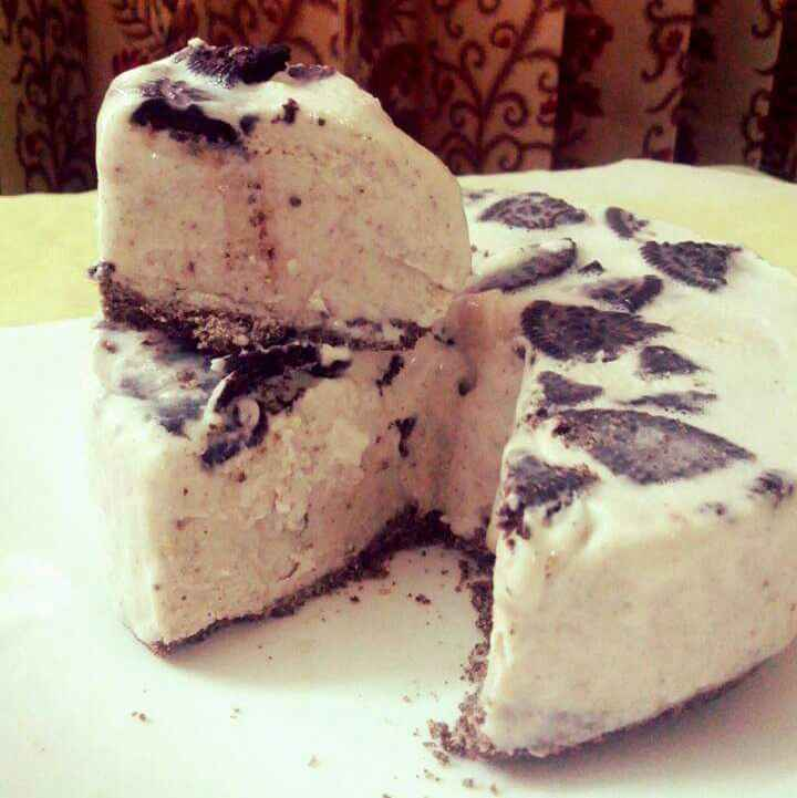 Photo of Eggless No Bake Oreo Cheesecake by Jaya Rajesh at BetterButter