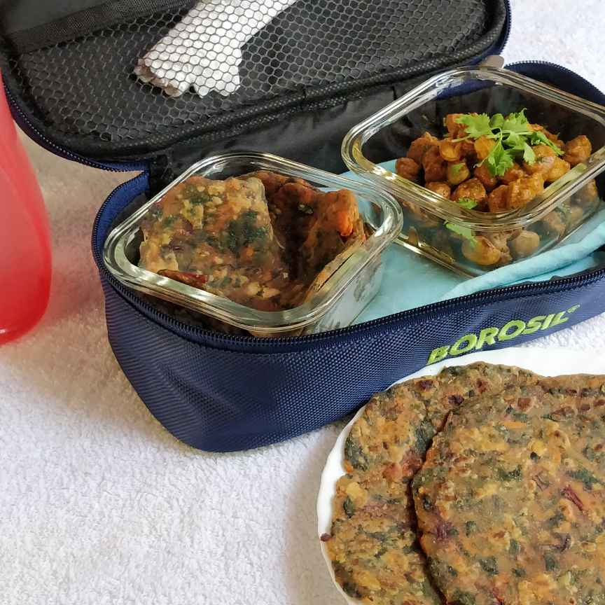 Photo of Beet Greens,Carrot Chappati with Butter beans soya gravy. by Jayanthy Asokan at BetterButter
