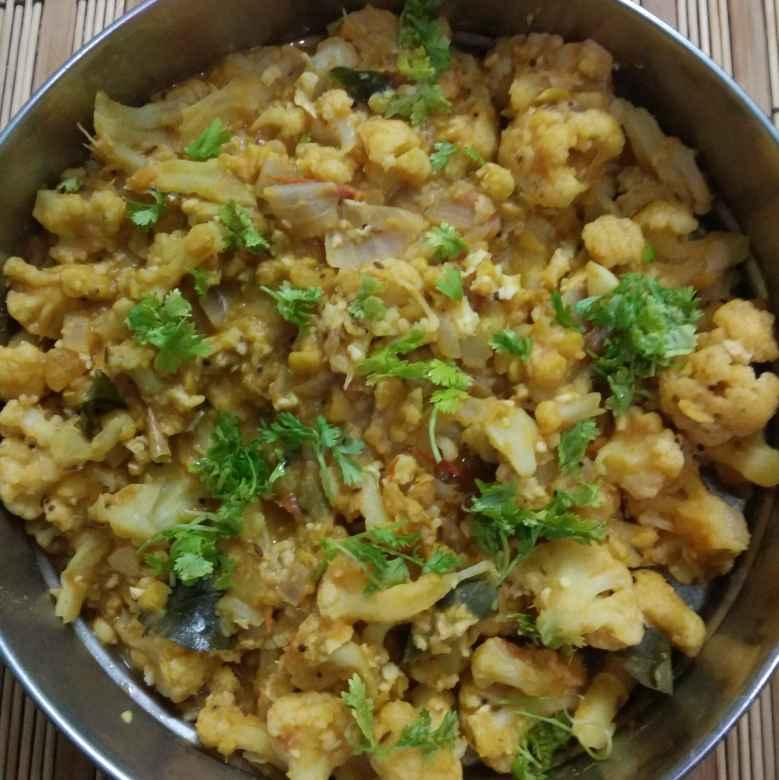 Photo of Kadalai Paruppu Cauliflower Koottu by Jayasakthi Ekambaram at BetterButter
