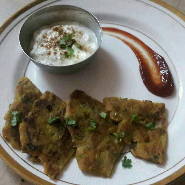 How to make Aalu ka krispi thalipith