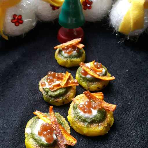Photo of Spicy TikkiCanapes with sour caviar and carrot chips by Jayshree Nair at BetterButter
