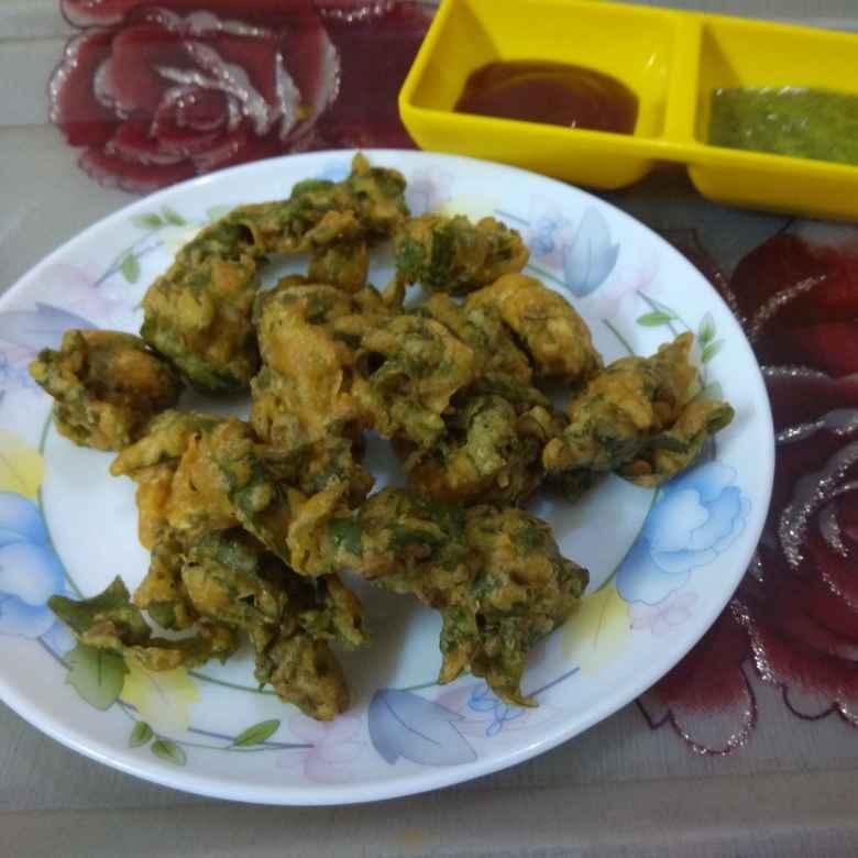 Photo of Palak pakode by Jhanvi Chandwani at BetterButter