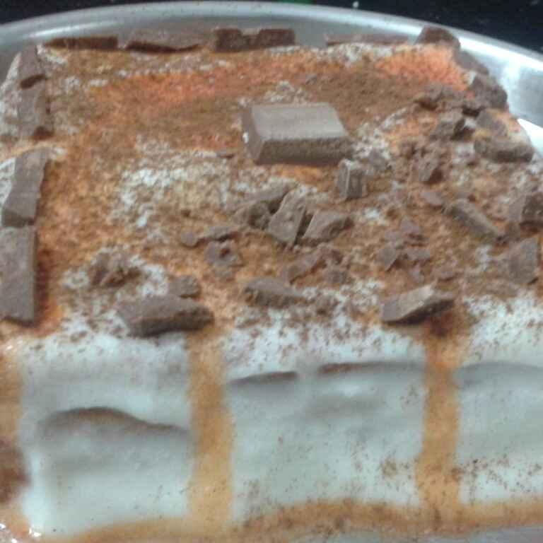 How to make बिस्किट केक