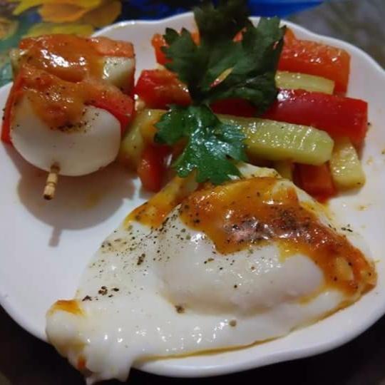 How to make Poached egg salad
