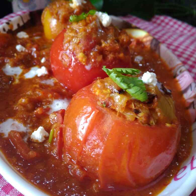 How to make Tomato stuffed with gravy