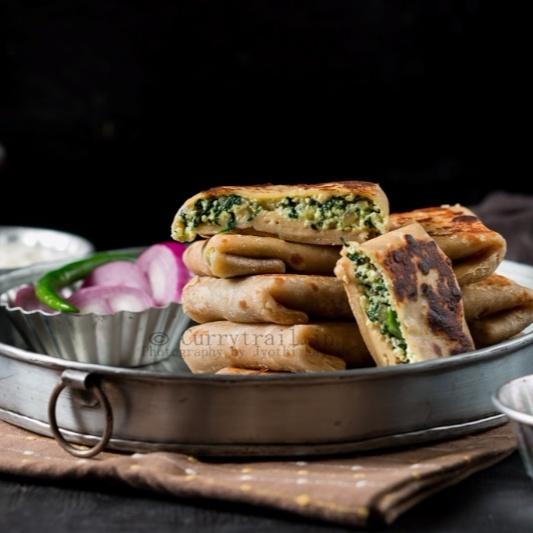How to make Whole Wheat Spinach Paneer Lifafa Paratha