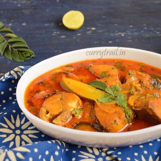 How to make Raw Mango Fish Curry | Manga Meen Kozhumbhu