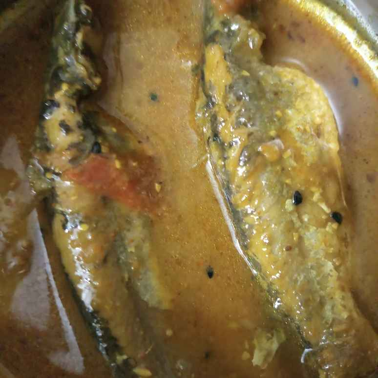 Photo of Cat fish with tomato..... by Kaberi Karmakar at BetterButter