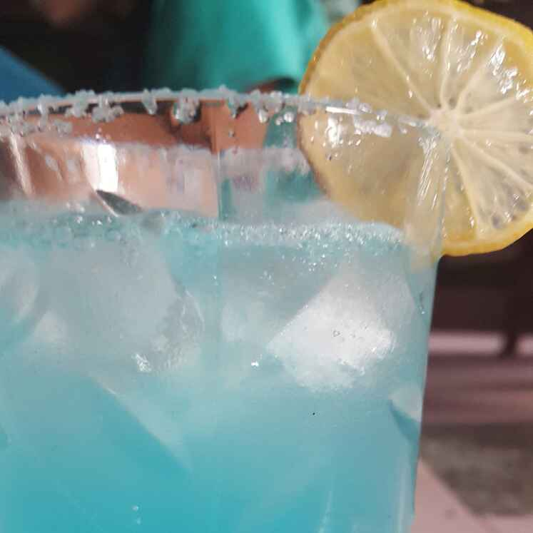 How to make Blue Lagoon