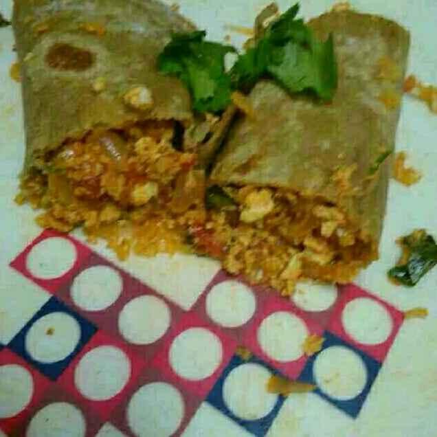 Photo of Chapati egg paneer roll by Kalai vani at BetterButter