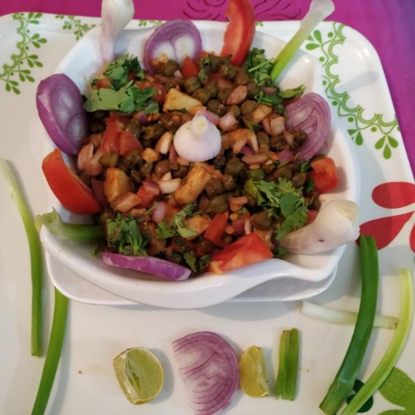 Photo of Fresh Green Chana/Popta Salad by kalpana solanki at BetterButter