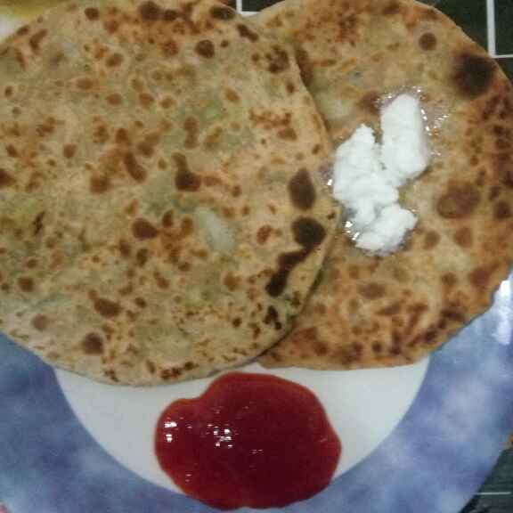 How to make Spring Onion and Potato Paratha