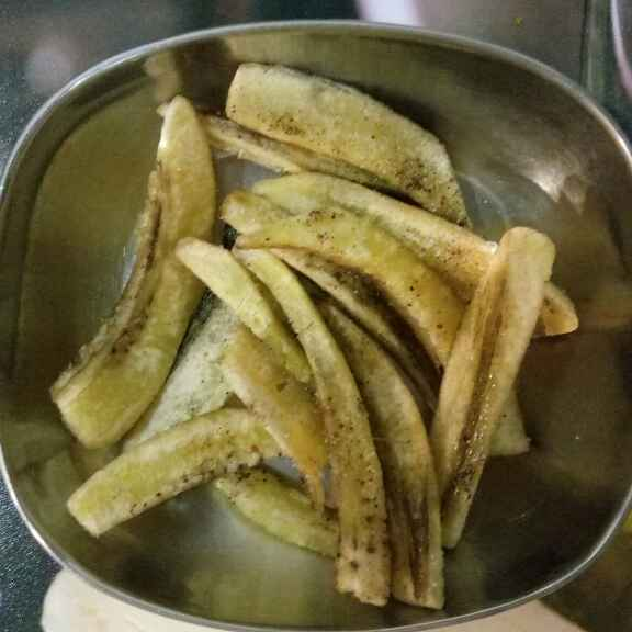 How to make Banana finger chips
