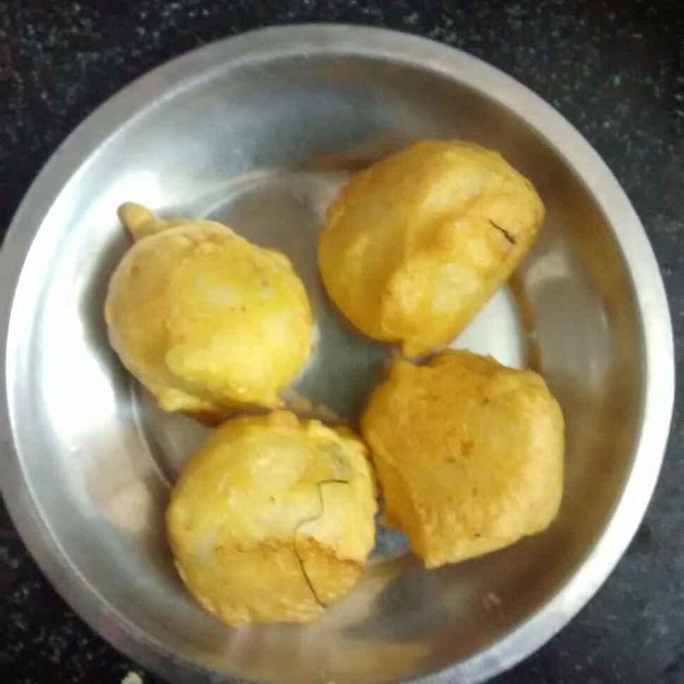 Photo of chilli potato bonda by kamala shankari at BetterButter