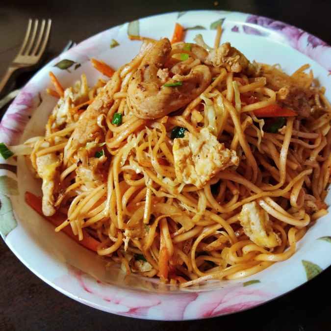 Photo of Garlic egg chicken noodles by Kamalika Bhowmik at BetterButter