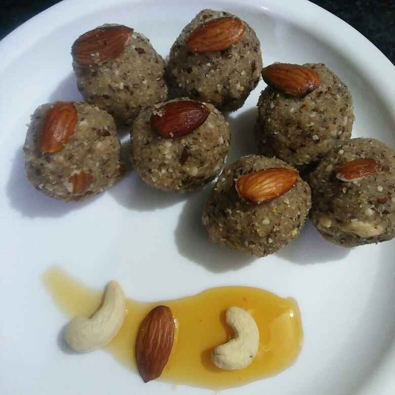 How to make Flaxseed Almond  Ladoo