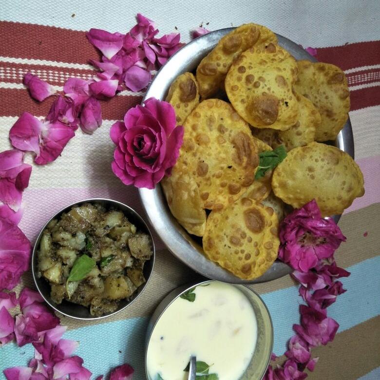 How to make काली मिर्च के फ्राई आलू और पूरी