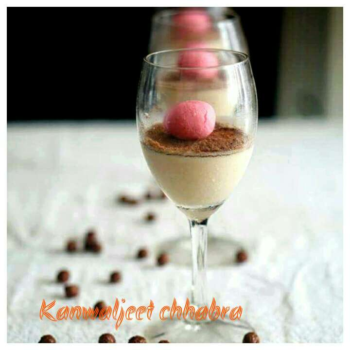 How to make Thandai Mousse topped with rasgulla.
