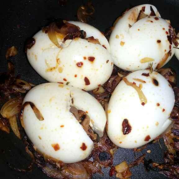 How to make Burma egg masala