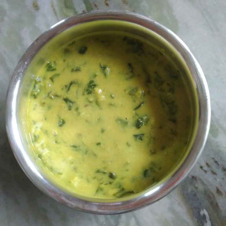 How to make Spinach dal curry