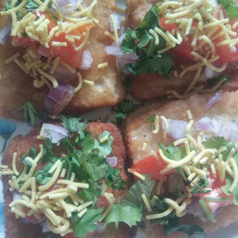 Photo of Bread_pakoda_chat. by Kavi Nidhida at BetterButter
