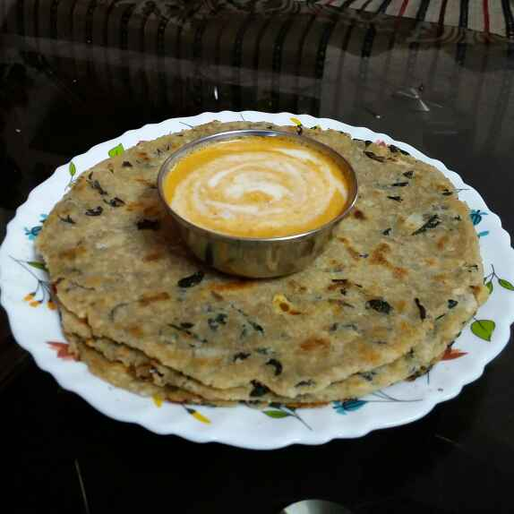 Photo of drumstick leaves oats roti  by Kavitha Perumareddy at BetterButter