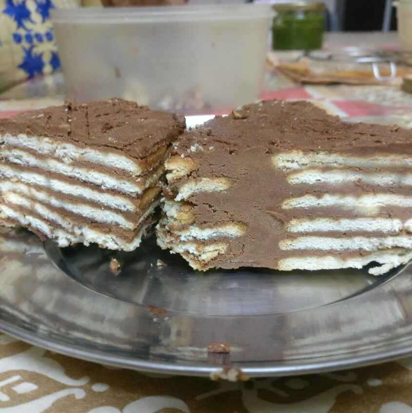 How to make Chocolate Biscuit Cake.
