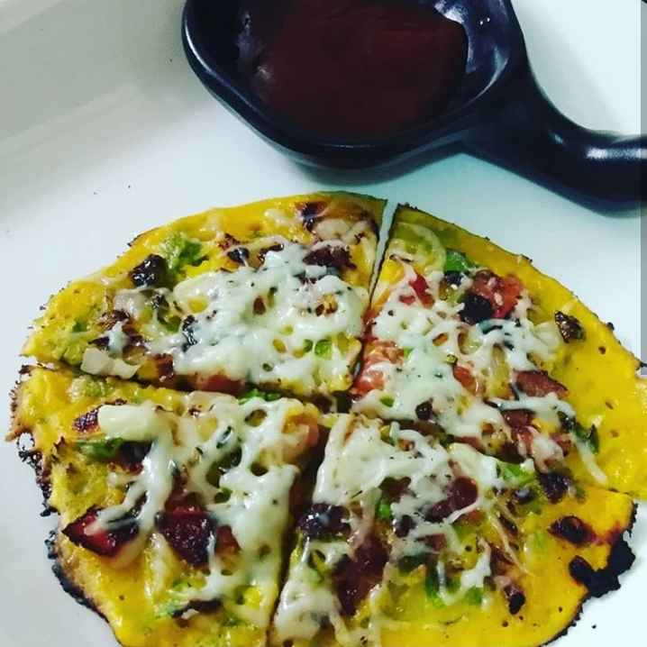 Photo of Spinach coriander besan pizza. by Khushboo Doshi at BetterButter