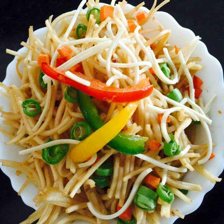 How to make Resturant style hakka noodles