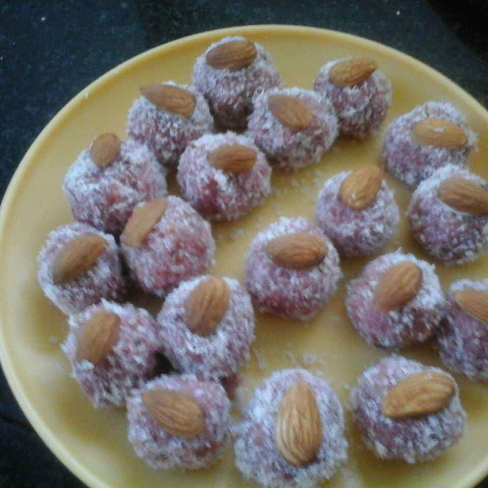 How to make Instant coconut bread laddu