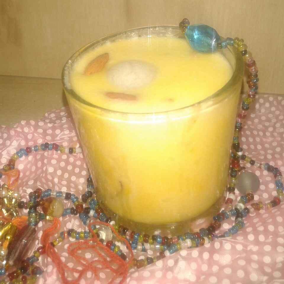 Photo of Kesariya banana shakewith mini rasgulla by Kiran Kherajani at BetterButter